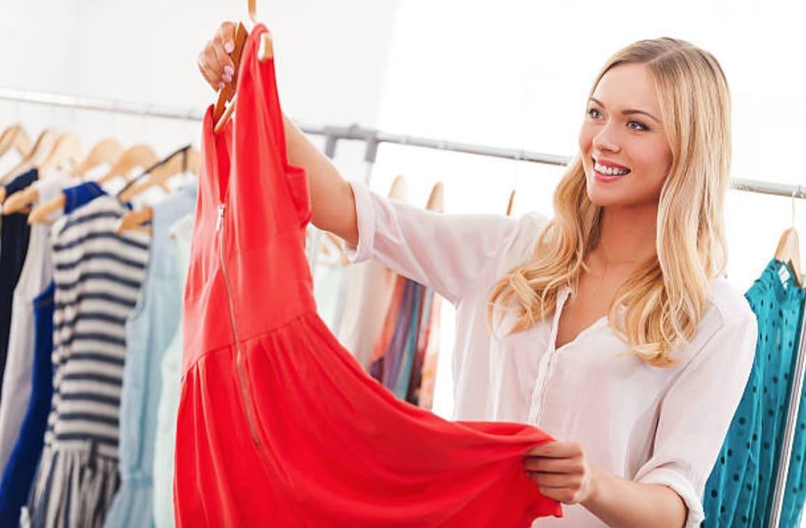 femme vêtements robe rouge