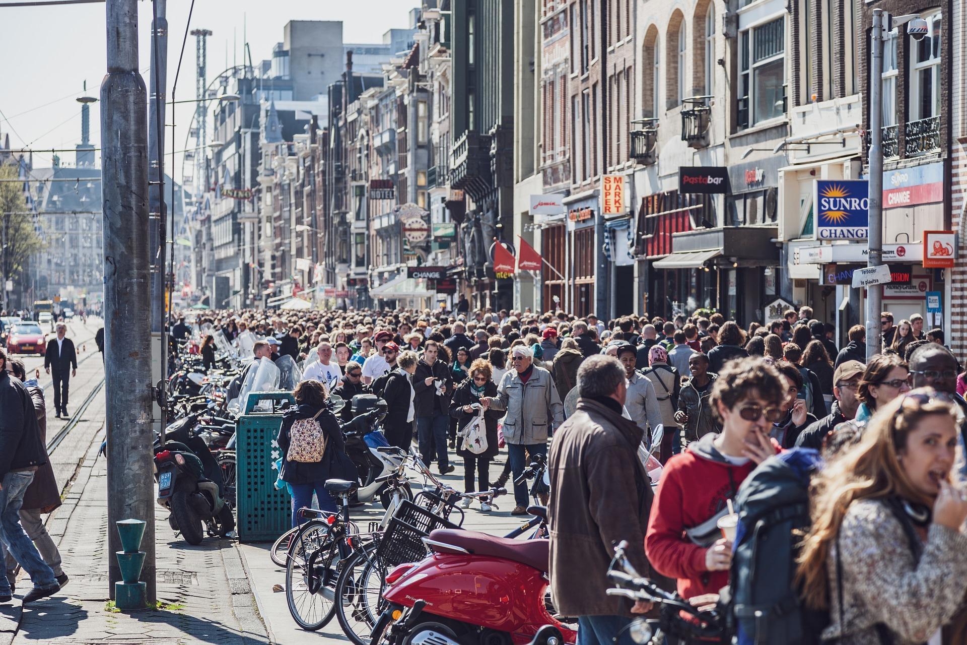 amsterdam crowd