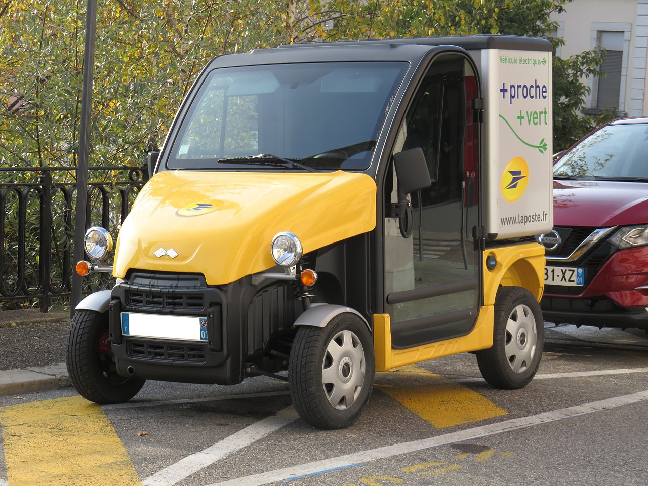 Laposte , véhicules électriques